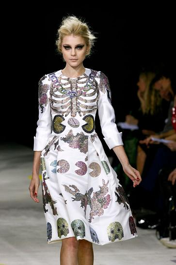 giles-deacon-winner-andam-award09_photo-yiannis-vlamos_yatzer_10
