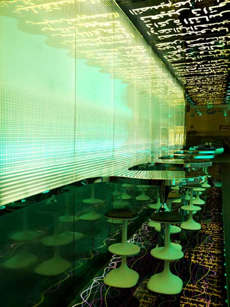 switch-restaurant-by-karim-rashid-22