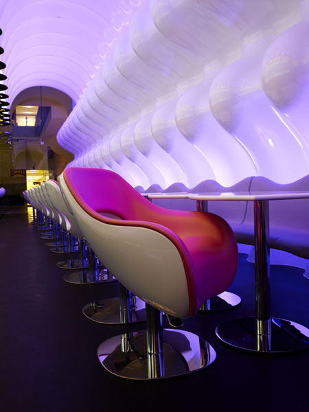 switch-restaurant-by-karim-rashid-23