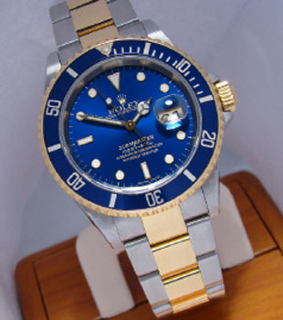 White-Gold-Oyster-Submariner,-Rolex-$29,850